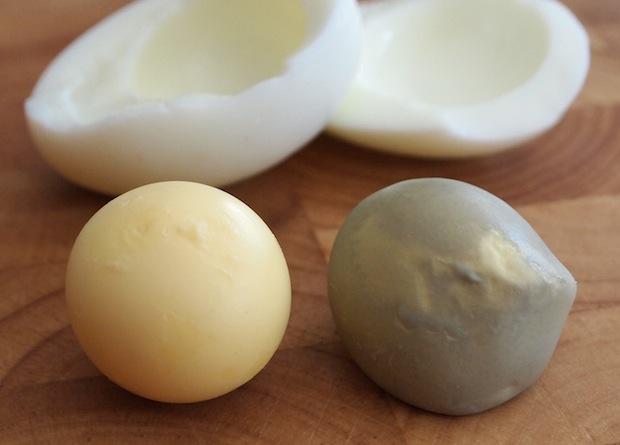 صفار البيض الأخضر