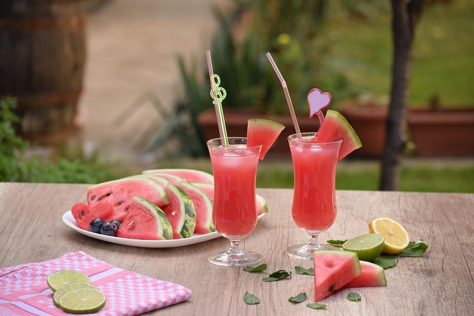 هل البطيخ يرفع السكر
