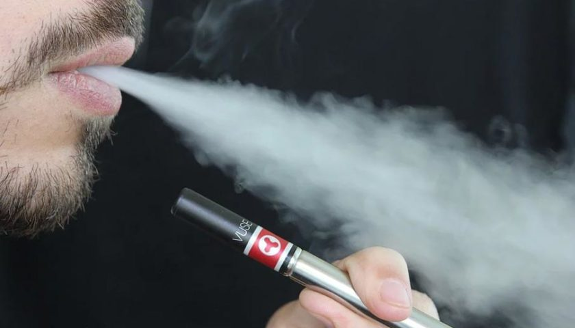 أضرار السيجارة الإلكترونية